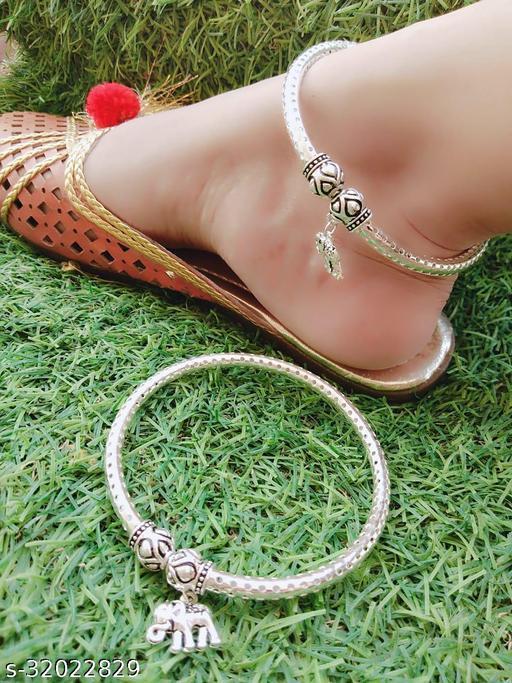 Shimmering Chunky Women Anklets & Toe Rings