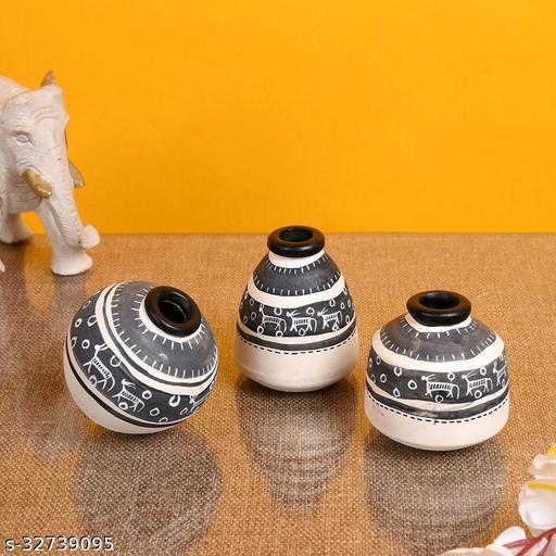 Vase Earthen Miniatures White Warli (Set of 3) (2.6/2.2/2.4)