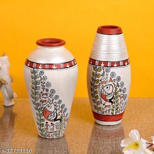 Vase Earthen White Madhubani (Set of 2)  (6x3.4/6.4x3)