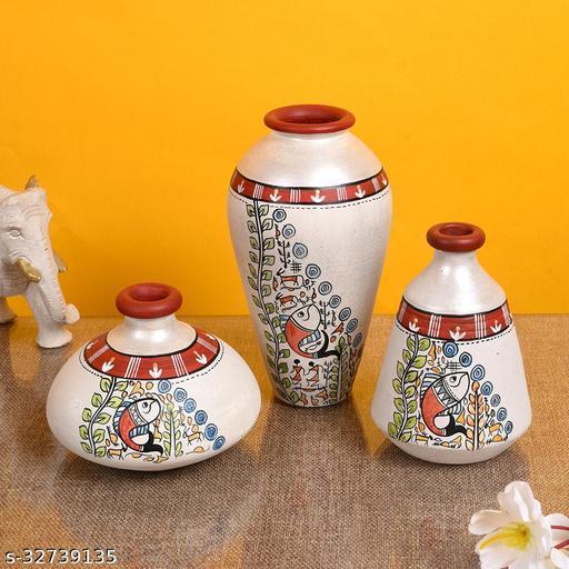 Vase Earthen Miniatures White Madhubani (Set of 3) 4.4/3/6
