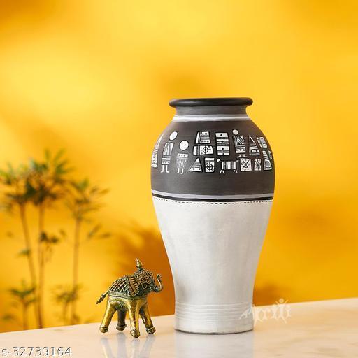 Vase Earthen Handcrafted Black & White Warli 4.6x9(HxD)