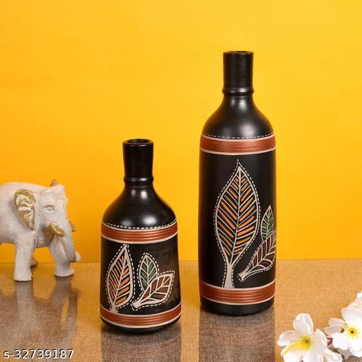 Vase Earthen Black Bottle Madhubani (Set of 2)  (9.4x3/6x3)