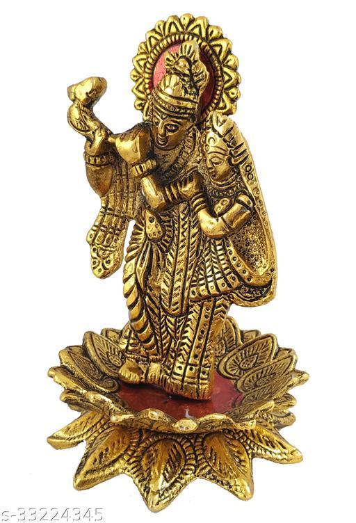 Attractive Idols & Figurines
