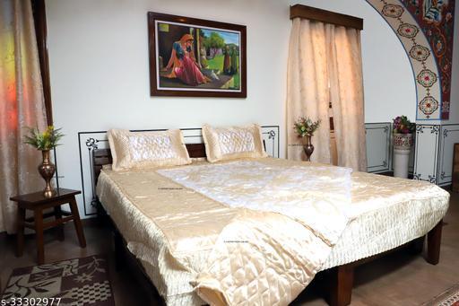 Attractive Bedding Set