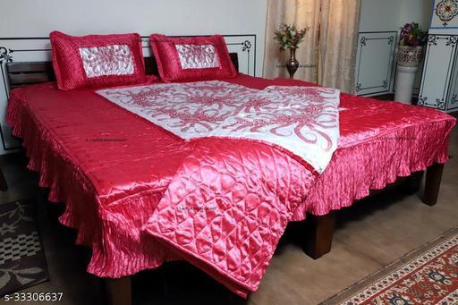 Fashionable Bedding Set