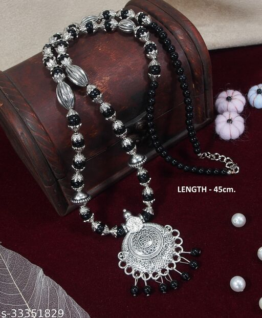 Stylish Women Necklaces & Chains