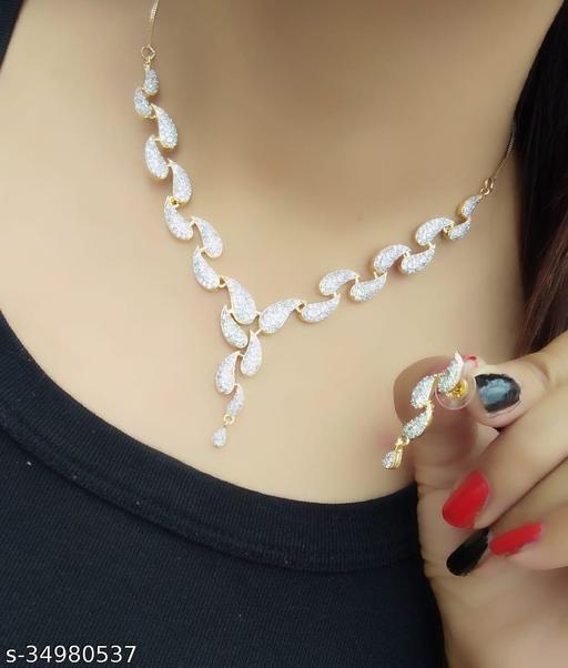 Twinkling Glittering Women Jewellery Sets