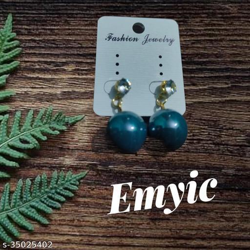 Emyic looks dashing Earring