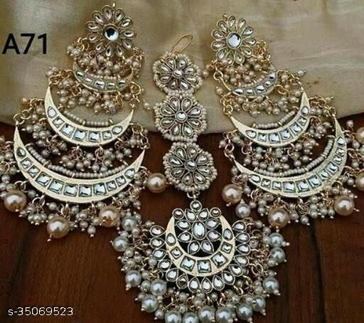 Women Earring & Mangtikka Set