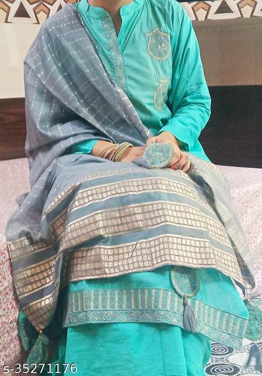 Aagyeyi Petite Semi-Stitched Suits