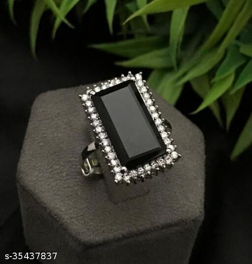 silver-plated ring with monalisa stone (black)