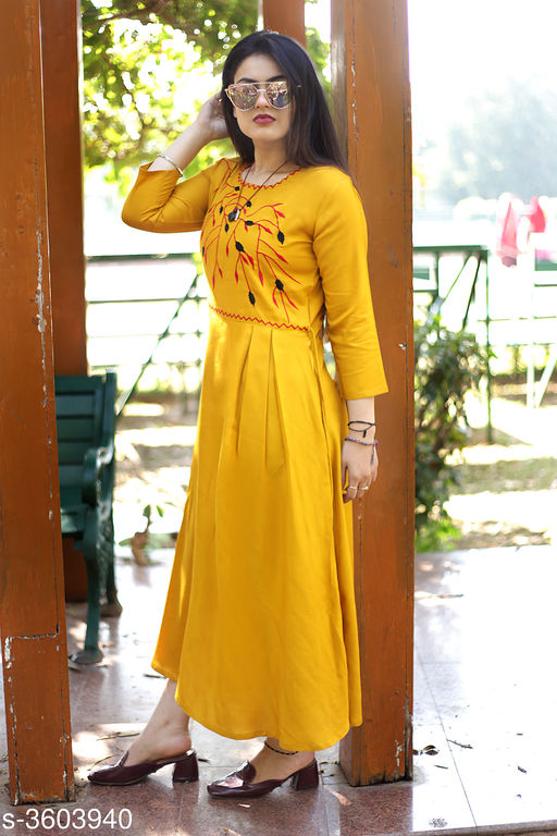 Gowns Attractive Rayon Western Gown  *Fabric* Rayon  *Sleeves* Short Sleeves Are Included  *Size* S - 36 in, M - 38 in, L - 40 in, XL - 42 in, XXL - 44 in  *Length* Up To 56 in  *Type* Stitched  *Description* It Has 1 Piece Of  Women's Gown  *Work* Printed  *Sizes Available* S, M, L, XL, XXL *    Catalog Name: Vasavi Attractive Rayon Western Gowns Vol 8 CatalogID_502404 C79-SC1289 Code: 006-3603940-