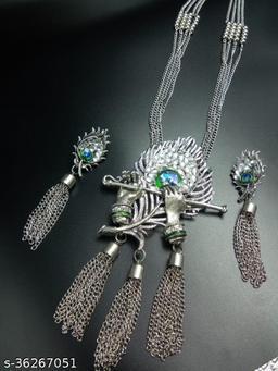 Graceful Women Necklace with Earrings