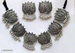Sizzling Chunky Women Necklaces & Chains With Earring
