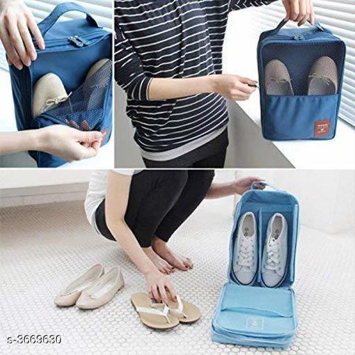 1 Waterproof Shoes Storage Bag (Color May Vary)