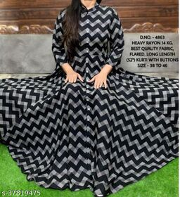 Aagam Sensational gown