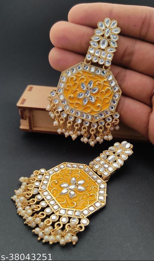 Beautiful glittering Jummar Earrings set