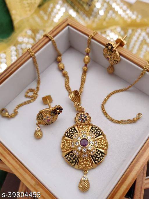 Shimmering Fancy Jewellery Sets