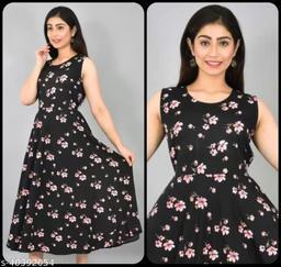 Women Black & Pink Floral Print Maxi Dress