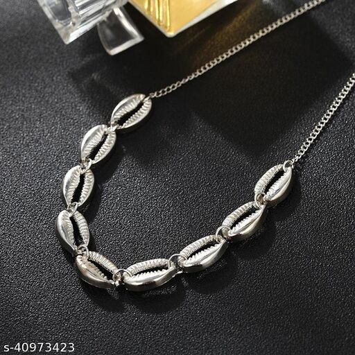 Womens Silver Multiple Shell Chain Necklace (Silver)