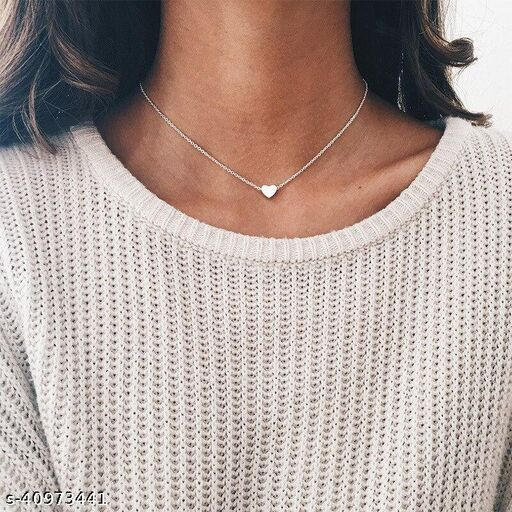 Womens Silver Star Chain Necklace (Silver)