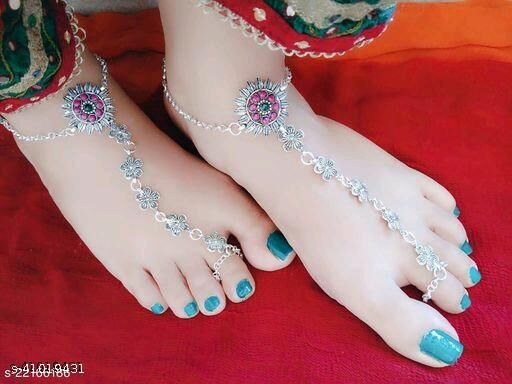 elite charming women anklet with toe ring