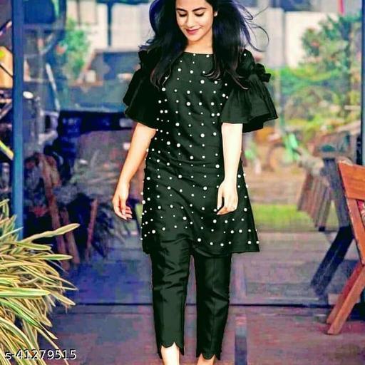 Aishani Alluring Women Kurta Sets