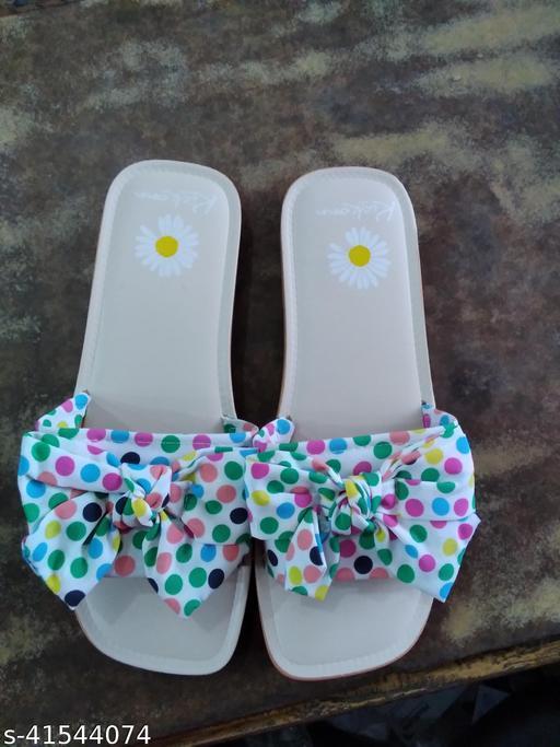 Latest Fashionable Women Flipflops & Slippers