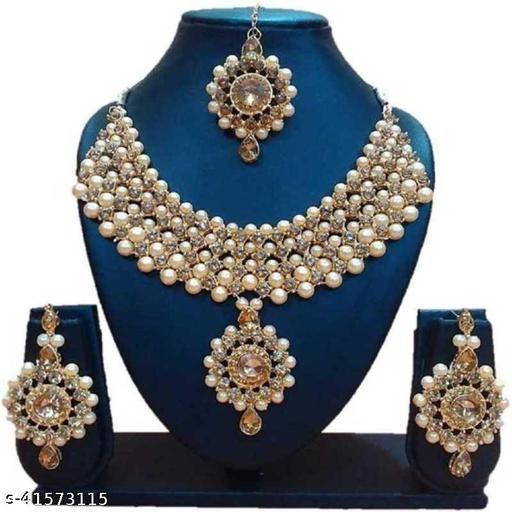 Sizzling Bejeweled Women Jewelry Set