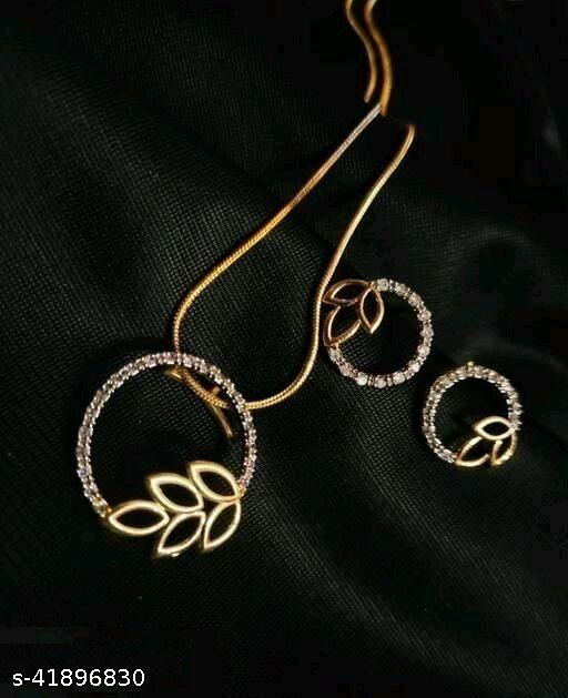 premium Nacklace with pair of earrings