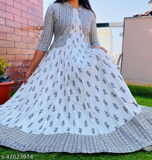 Stylish Anarkali Grey gown With Kotii
