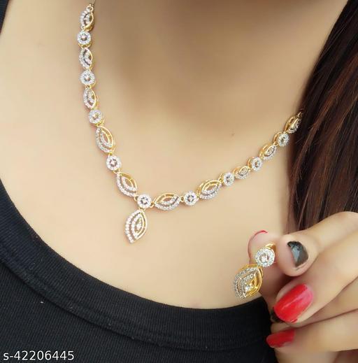 Twinkling Fancy Women Jewellry set