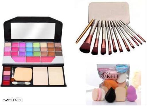 Essential Makeup Tools & Accessories