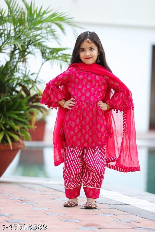 Fashionable Kurta Sets