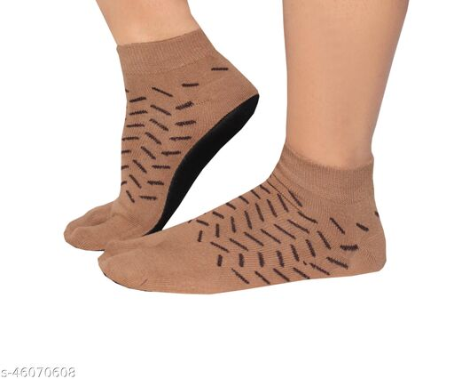 Fashionable Latest Women Socks