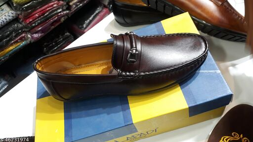 Modern Fabulous Men Loafer Shoes