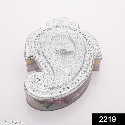 Amstore Designer Roli Chopra in Ganesh Shape Box