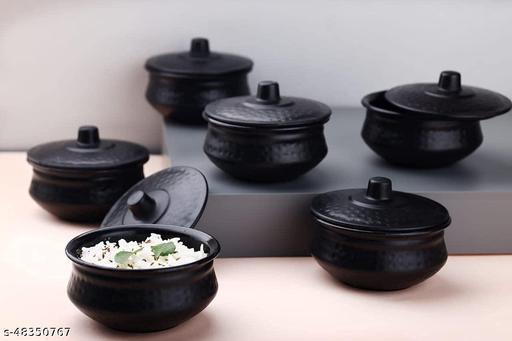 Essential Sauce Pots & Handis