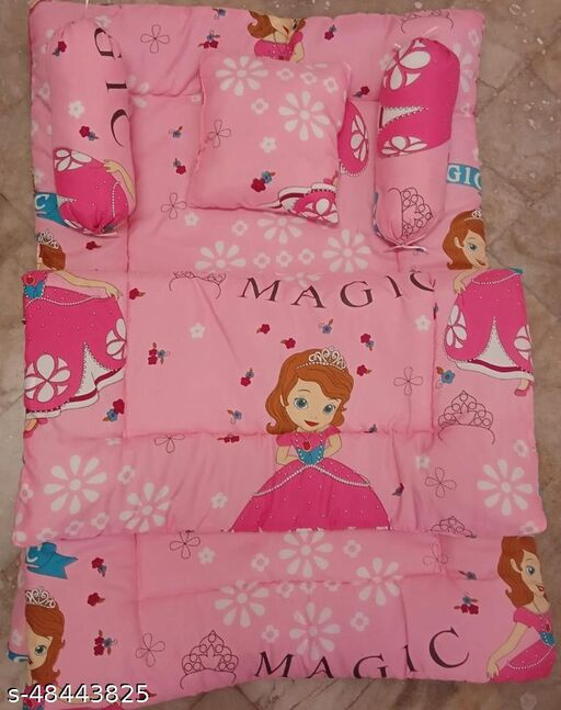 Dremik Full Sleeping Baby Bedding Set in Cotton with 2 Side Pillows in a Shape of Cute pillow