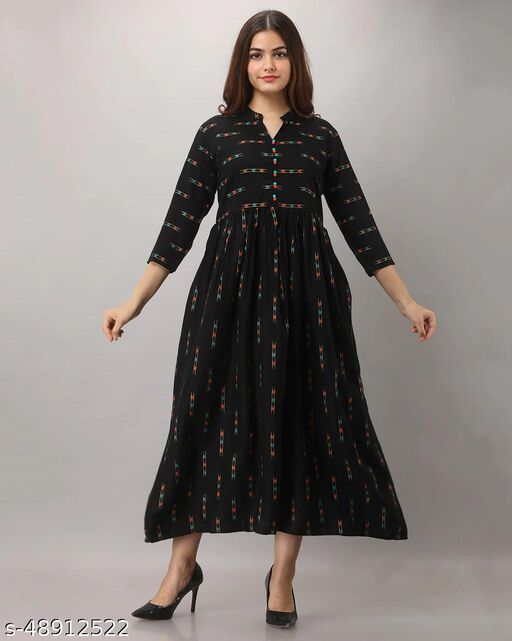 SOLID DESIGN GOWN