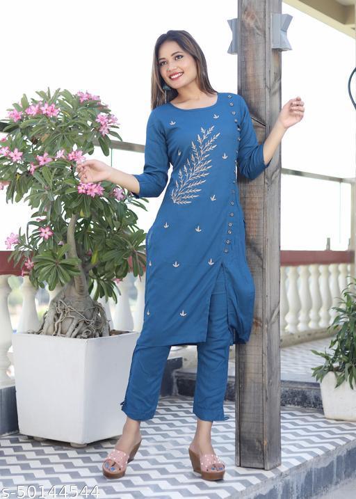 Kashvi Attractive Women Kurta Sets
