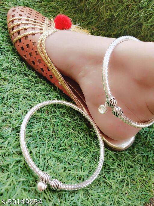 Twinkling Chunky Women Anklets & Toe Rings