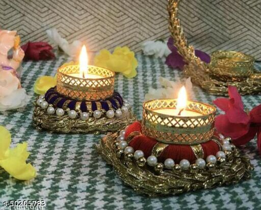 Graceful Festive Candles
