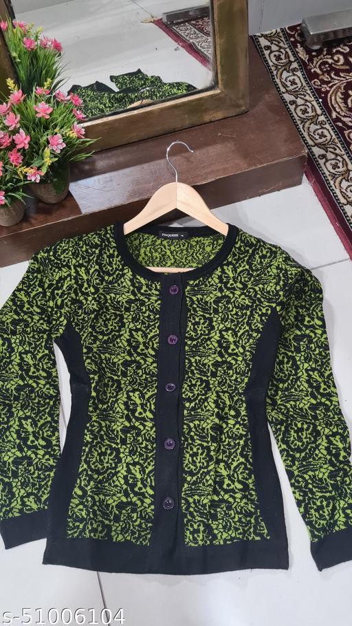 Pure Wool Short Printed Bottoned Sweater  Cardigan