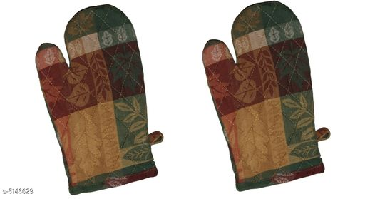 Oven Gloves Stylish Cotton Printed Oven Gloves  Material : Cotton    Size : Free Size  Description :  It Has 1 Pair Of Oven Gloves  Work: Printed Country of Origin: India Sizes Available: Free Size *Proof of Safe Delivery! Click to know on Safety Standards of Delivery Partners- https://ltl.sh/y_nZrAV3  Catalog Rating: ★4.1 (72)  Catalog Name: ⭐Free Gift Stylish Cotton Printed Oven Gloves CatalogID_760040 C129-SC1636 Code: 621-5146629-