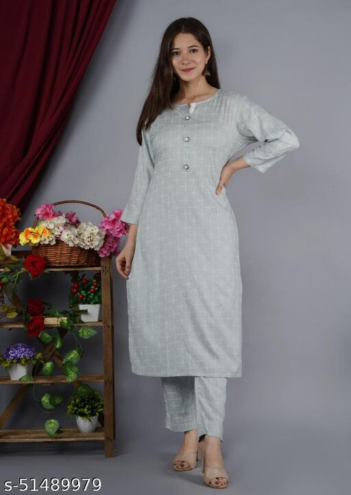 Kashvi Graceful Women Kurta Sets