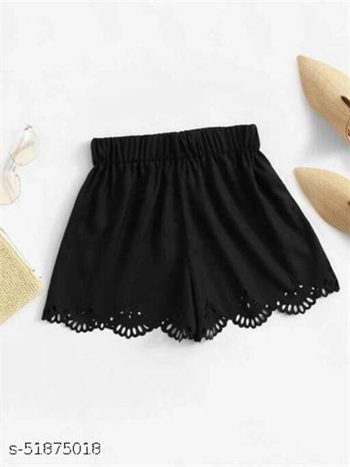 Scallop Hem Hollow Out Shorts