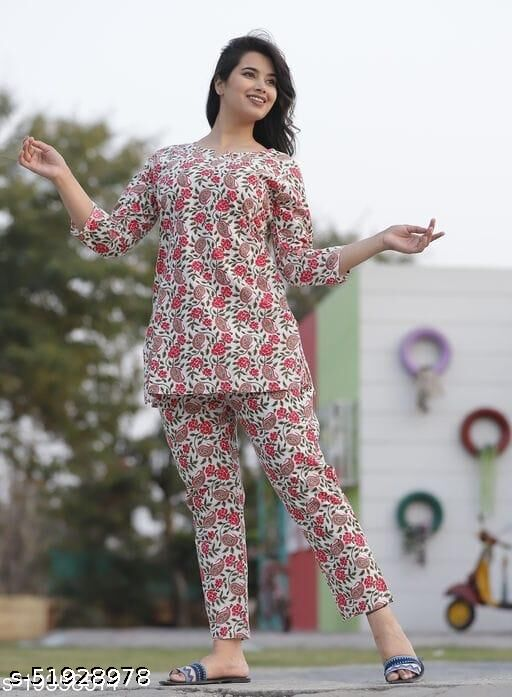 Attractive floral print nightdress