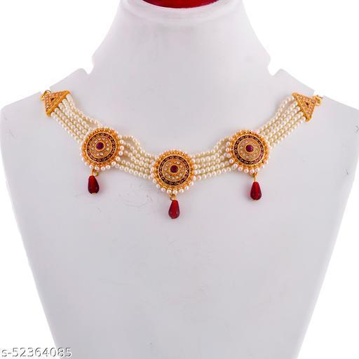 Elegant jewellery set