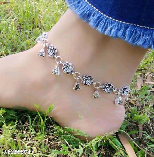 Twinkling Bejeweled Women Anklets & Toe Rings